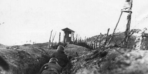 Γερμανοί προσεγγίζοντας ελληνικό φυλάκιο